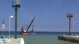 Riparte il dragaggio al porto canale di Riccione