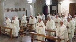 Monsignor Lambiasi agli Esercizi Spirituali coi vescovi dell'Emilia Romagna