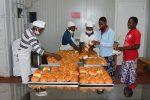 casa del pane - al lavoro nel laboratorio